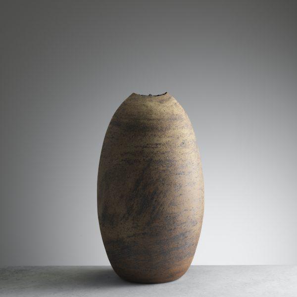 Joanna-Constantinidis-Large-Ovoid-Vessel-c1985.-Ceramics-40cm-tall.-Courtesy-of-Oxford-Ceramics.
