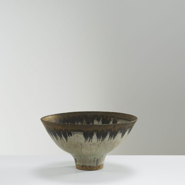 Lucie-Rie-Bowl-with-bronze-rim-c1970s.-Ceramics-11-x-20.5-cm.-Courtesy-of-Oxford-Ceramics.